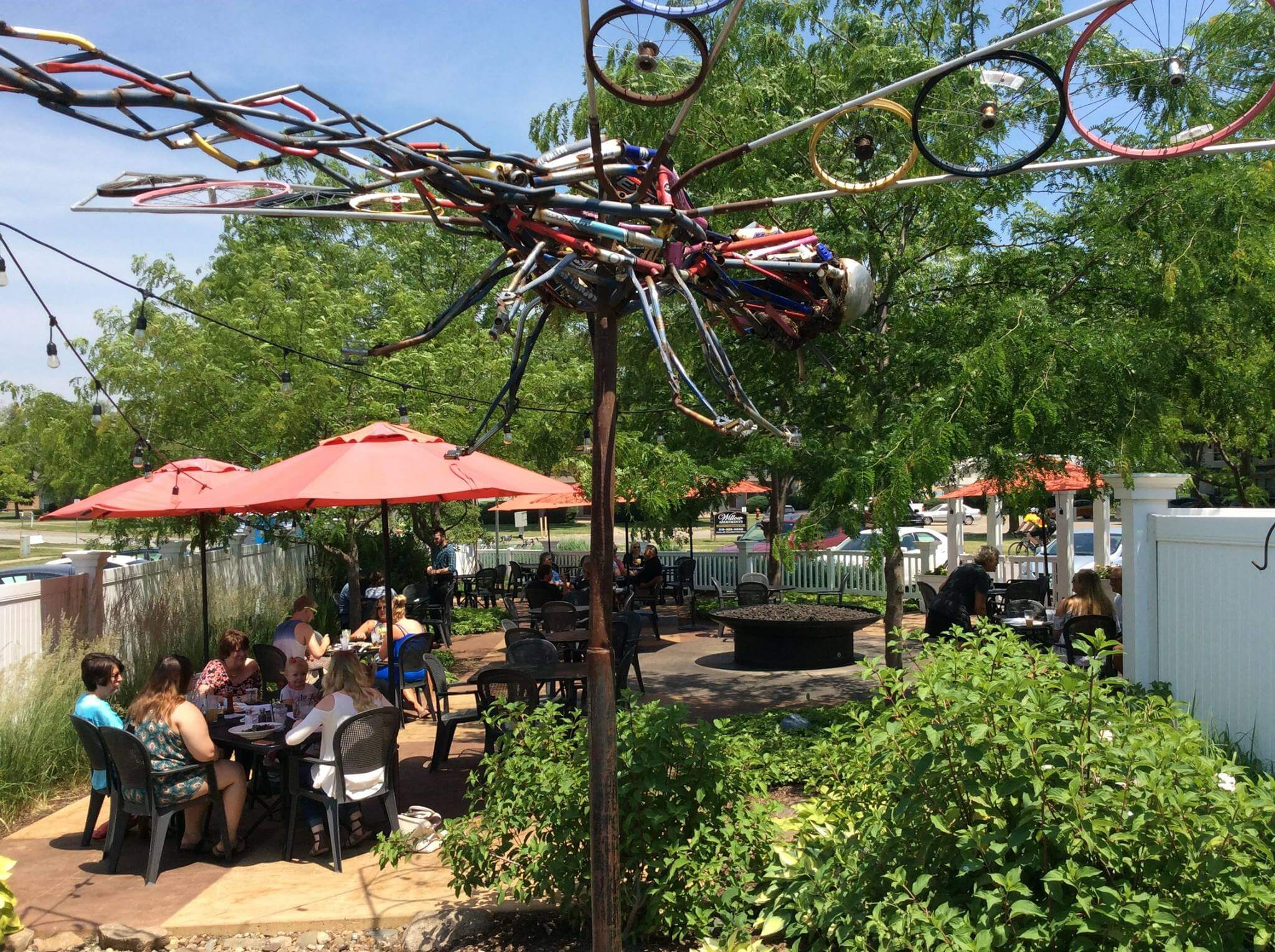 Reds Alehouse Patio Art - Dragonfly